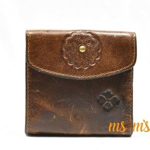 NWT Patricia nash Distress leather wallet